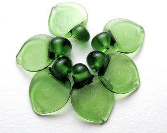 Flat Leaf Glass Leaves Artisan Lampwork Beads in Emerald Green