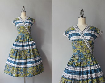 1950s Dress / Vintage 50s Novelty Print Dress / Medieval Print 1940s Day Dress