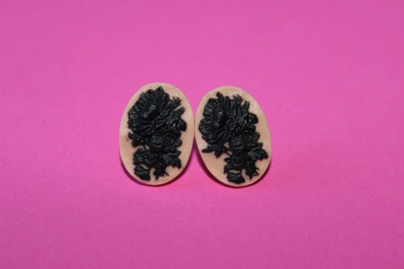 SALE Small Pink and Black Wildflower Cameo Earrings
