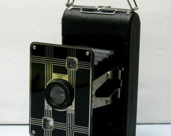 Vintage Kodak Jiffy Six-20 Art Deco Folding camera 1933-1937