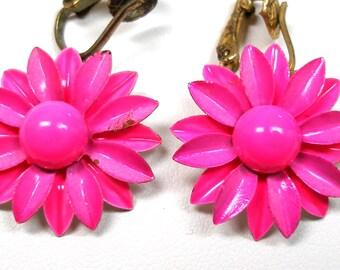 Groovy 1960s earrings, Hot pink flowers, clip-on earrings.
