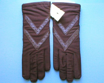 Gloves Isotoner Aris Brown Driving Gloves Leather Trim Vintage Still in box