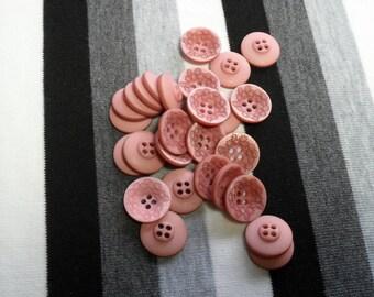 Rose, engraved round button. 1 button.