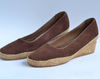 1970's Deadstock Chocolate Brown Suede Wedges Jute Wrapped Heel