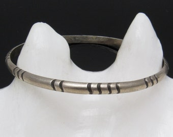 Vintage Sterling Bangle Native American Jewelry B7421