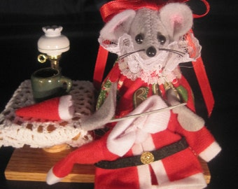 Christmas Mouse Sewing Santa's Suit
