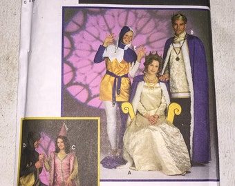 Simplicity Medevial Costumes 8286 Ren Faire Sewing Pattern Size XS, S, M Andrea Schewe UNCUT