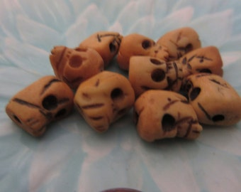 10 Vintage Skull Bone Beads, Handcarved, Halloween, Goth, Jewelry Making Supplies