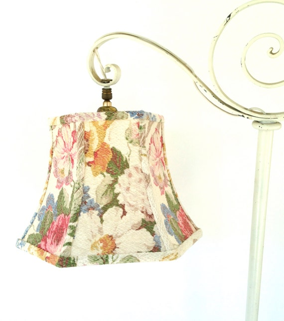 uno floral lamp shade handmade lampshade in vintage bark cloth fabric. Black Bedroom Furniture Sets. Home Design Ideas