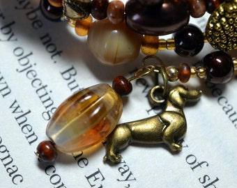 Dachshund Doxie dog chocolate and tan glass bead memory wire wrap bracelet hand designed