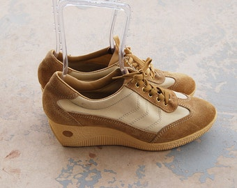 vintage 70s Platform Sneakers - 1970s Tan Suede Platform Shoes - Deadstock Tennis Shoes Athletic Shoes Sz 10 41