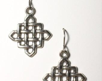 Symmetrical Weave