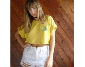 Graphic Print Yellow Crop Tee Shirt - Vintage 90s - LARGE
