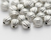 Silver Fluted Oval Beads Squashed Acrylic Beads 7mm (30)