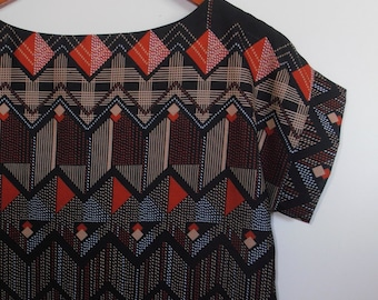 mod geometric...loose fit boxy style top in vintage fabric