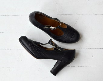 T-strap Janes | vintage leather t-strap heels | 1970s t-strap mary janes 8