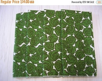 VALENTINES DAY SALE Cloth Napkins Green Roses on Beige Set of 4