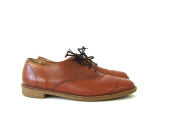 brown leather oxfords. Preppy Lace up Shoes Men's Dress Shoes Women's Lace Shoes Hipster Rockabilly Baja beach shoes. size 9 10