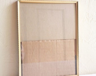 Unique Vintage 7x9 Gold Metal Picture Frame