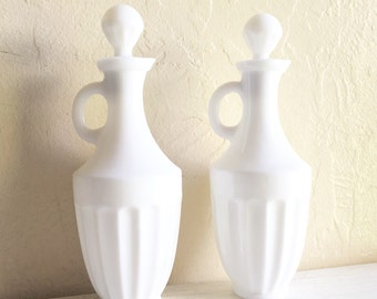 Beautiful White and Clear Glass Decanter Bottle with Cork Stopper and Handle