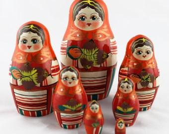 Nuts Walnut Style Matryoshka Russian Toys Matryoshkas Babushkas Art Crafts Souvenirs from Russia 7pc