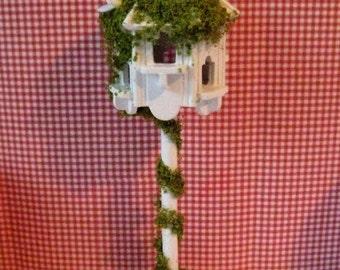 Dollhouse Dovecote birdhouse, Garden ornament, dovecote, birdhouse, Garden, 1/12th scale, a dollshouse miniature