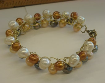 pearl bracelet wire wrapped  ( A 68 )