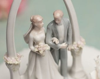 Newly Wed Bride and Groom Cake Topper - 707565