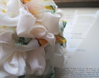 Vintage Fabric Brides Bouquet * Fabric Flowers * Handmade OOAK Bouquets * White Summer Bouquet * Vintage Fabric Pommery * Spring Celebration