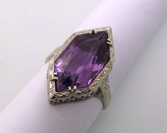 A Belais Fancy Six-Sided Amethyst set in a 14k White Gold Filigree Ring, Circa 1930 (A1683)