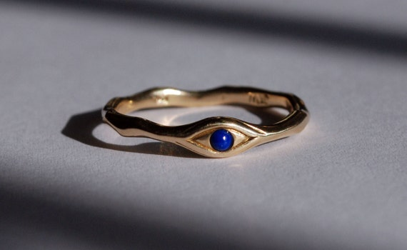 10k Gold and deep blue Lapis Eye Ring