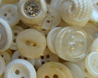 100 lovely Old dirty white buttons Lot 91