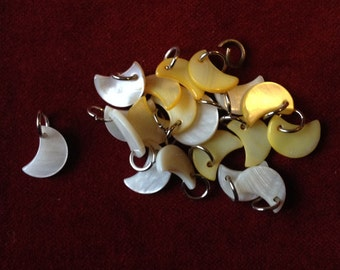 Lot of mother of pearl moon pendant
