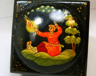 Russian Lacquer Box, 1980s Handpainted Figural Hinged Box, Palakh Style, Painted Black Wood,