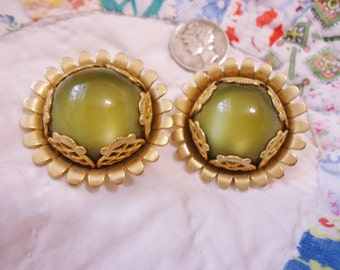 Striking Vintage Retro Emmons Large Clip Earrings Chartreuse Moonglow