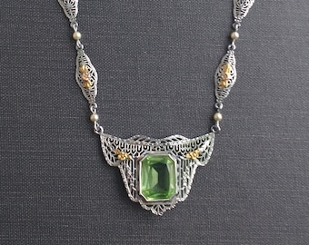 Art Deco White Gold Filigree Necklace with Peridot & Yellow Gold Details.