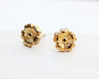 Tiny Gold Flower Studs