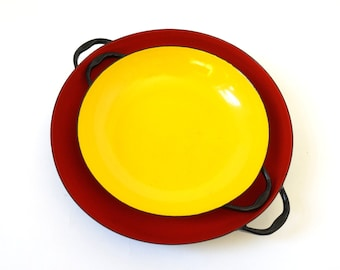 REDUCED Vintage 1970s Cookware / 70s Enamel Small Nesting Pans VGC / Orange and Yellow Saute Pans / Mid Century Kitchenware