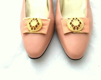 Vintage 80s SOFT PINK Kitten Heels by Calico - Womens Size 8M / Made In Brazil