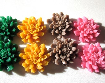 Cabochon Mixed Flowers 24mm x 9mm (8)