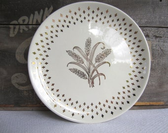 Vintage Gold Harvest Wheat and Fleur De Lis Dinner Plate by USA China