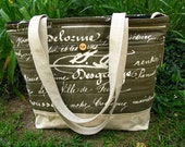 LARGE WORK/TRAVEL Tote /Zipper opening/ 3 Large Outside pockets/ 6 large interior open pockets and zipper pocket