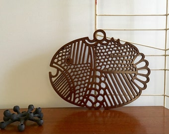 Vintage Dansk Denmark Plastic Fish Hanging Trivet Chocolate Brown Gourmet Designs SALE