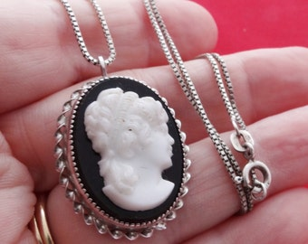 "Vintage 18"" sterling necklace with 1.5"" CAMEO pendant/brooch in great condition, cameo signed sterling CC, necklace signed ITALY 925"