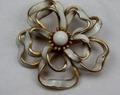 1960's Vintage White and Gold Swirl Brooch, Large Flower Ribbon Pin, Bridal Brooch, Retro Jewelry, Estate Broach Jewellery, Statement Piece