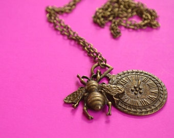 Bee Clock Antique Bronze Necklace Steampunk (AB19)