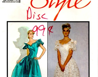 Misses Lined Wedding Dress Fitted Bodice Back Zipper Underskirt Uncut Unused Sewing Pattern Woman Size 16 Style 1247 By Caroline Charles