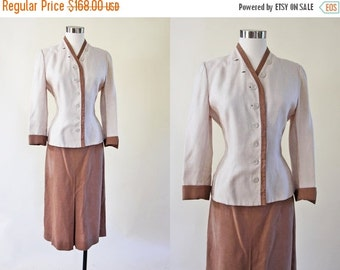 ON SALE 1940s Suit - Vintage 40s Irish Linen Designer Neutral Brown Cream Two-Tone Jacket Skirt Suit L - Sand and Oyster