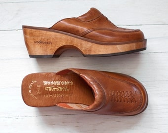 vintage 1970s wood clogs | wooden 70s leather clogs | Woodworks