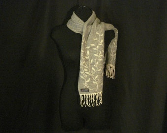 Reversible Fringed Gray & White Scarf Winter Accessory Chic Cashmink OS